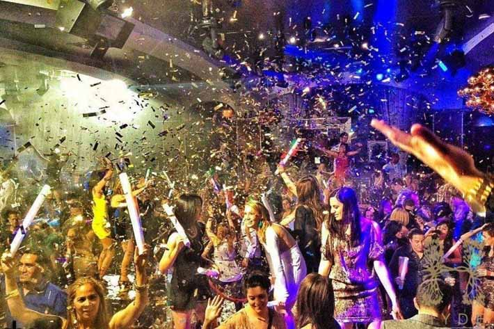 Confetti Showers At Hyde's Industry Night Las Vegas