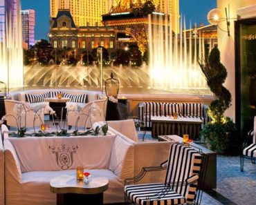 The patio at Hyde Bellagio. The Bellagio fountains are in the distance.